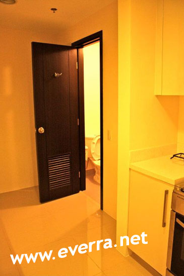 2nd Toilet and Bath - Special 1-Bedroom